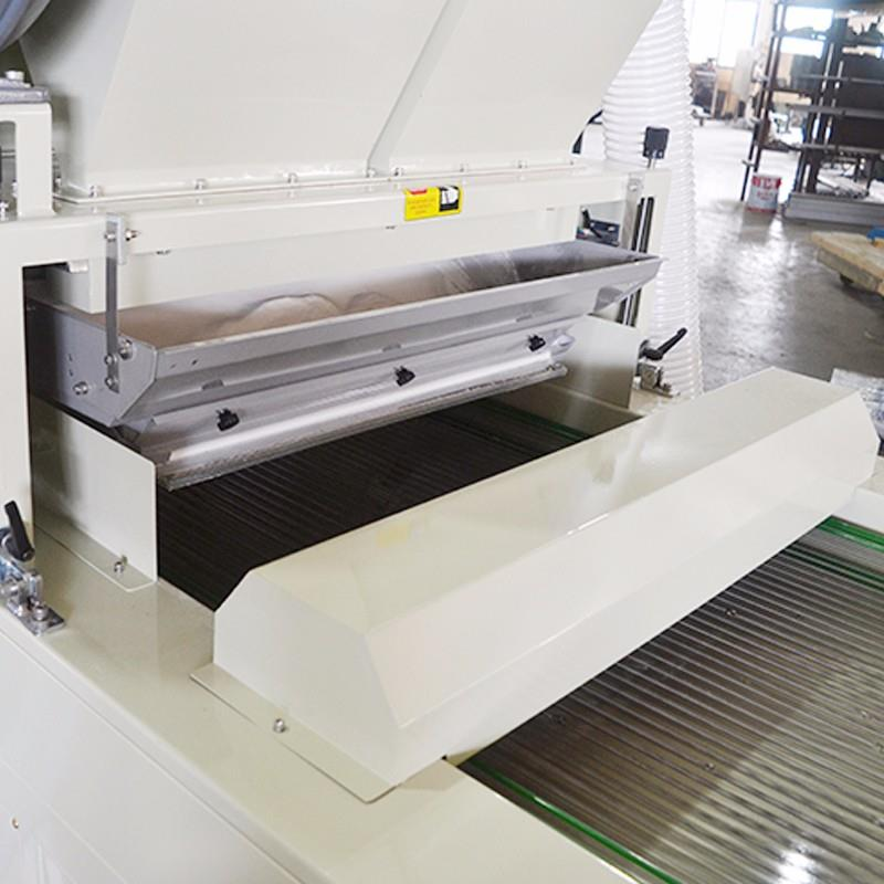 Conveyor inlet with anti-static